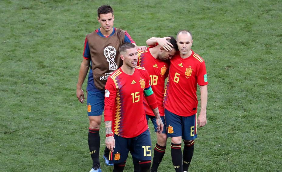 La selección española, desolada tras caer eliminada en octavos de final contra Rusia en los penaltis