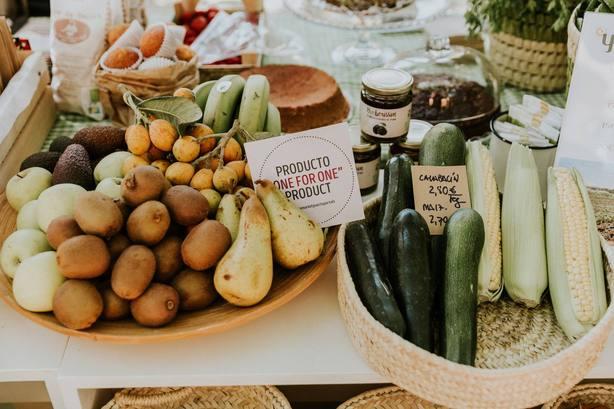 Más de siete mil personas han visitado ya el Farmers' Market