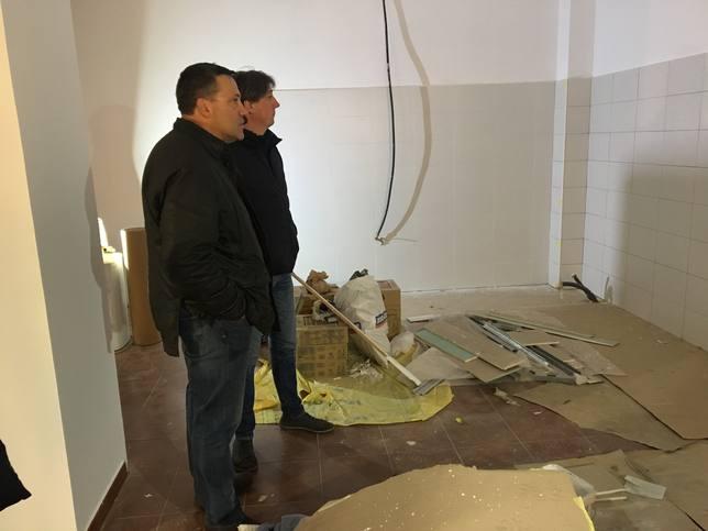 Visita del alcalde, Carlos Martínez, a las obras de la cuadrilla de Santa Catalina
