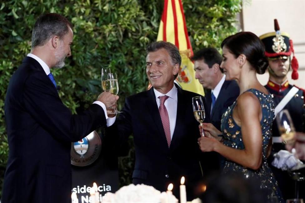 Galeria Así Ha Sido La Cena De Gala Ofrecida Por El Presidente Argentino A Los Reyes De España Internacional Cope