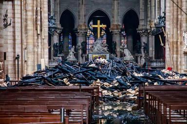 Francia evalúa los daños sufridos por la catedral de Notre Dame de París