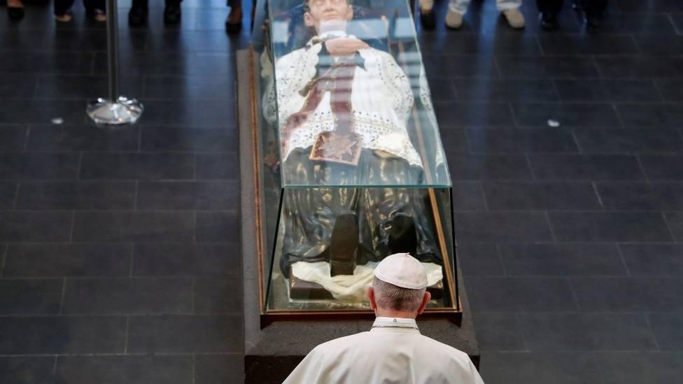 El Papa visita el Santuario del padre Laval, la Lourdes del Océano Índico