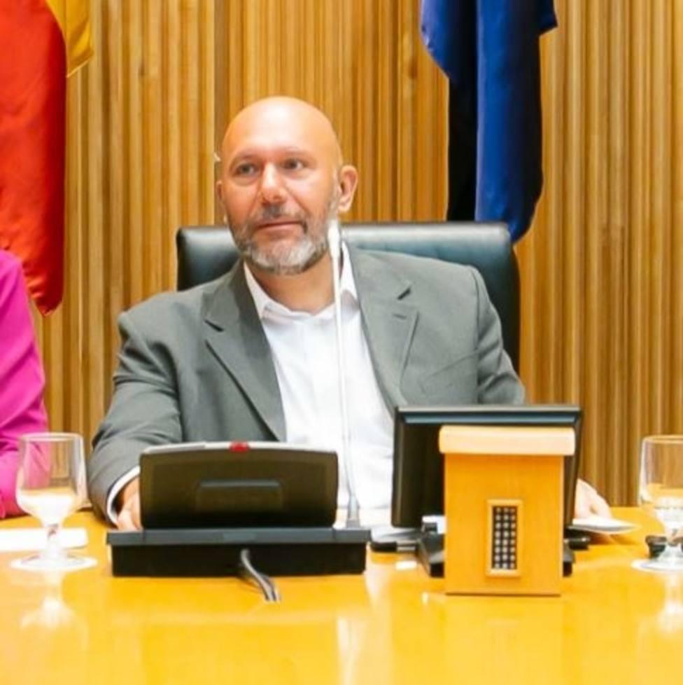 Críticos de IU piden a Garzón responsabilidad y que no sea cómplice de una repetición electoral