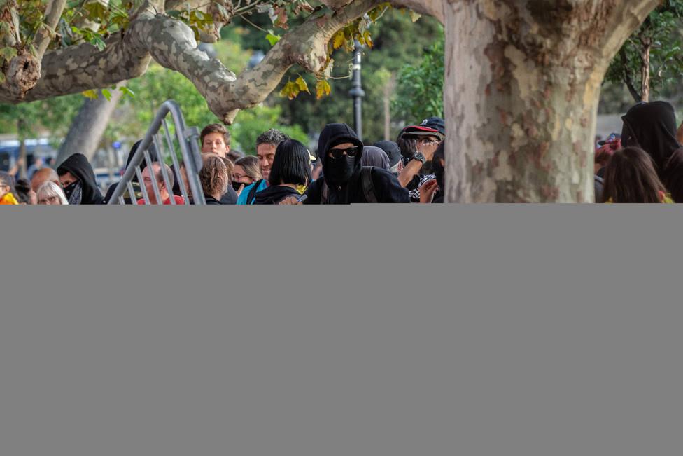 Agrupaciones de periodistas y sindicatos condenan la agresión a tres periodistas en la concentración de la Diada