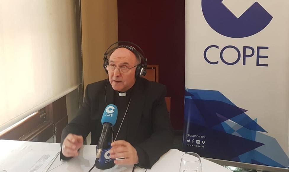 Obispo de Segorbe-Castellón, monseñor Casimiro López Llorente
