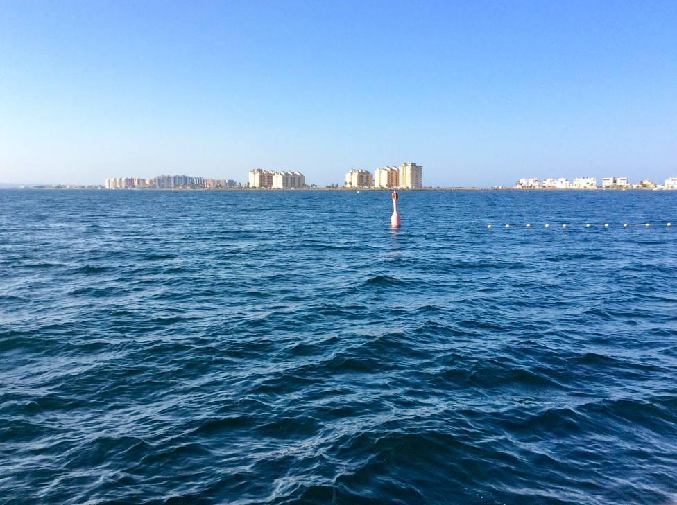 Desaparecen los problemas de oxigenación en el agua del Mar Menor