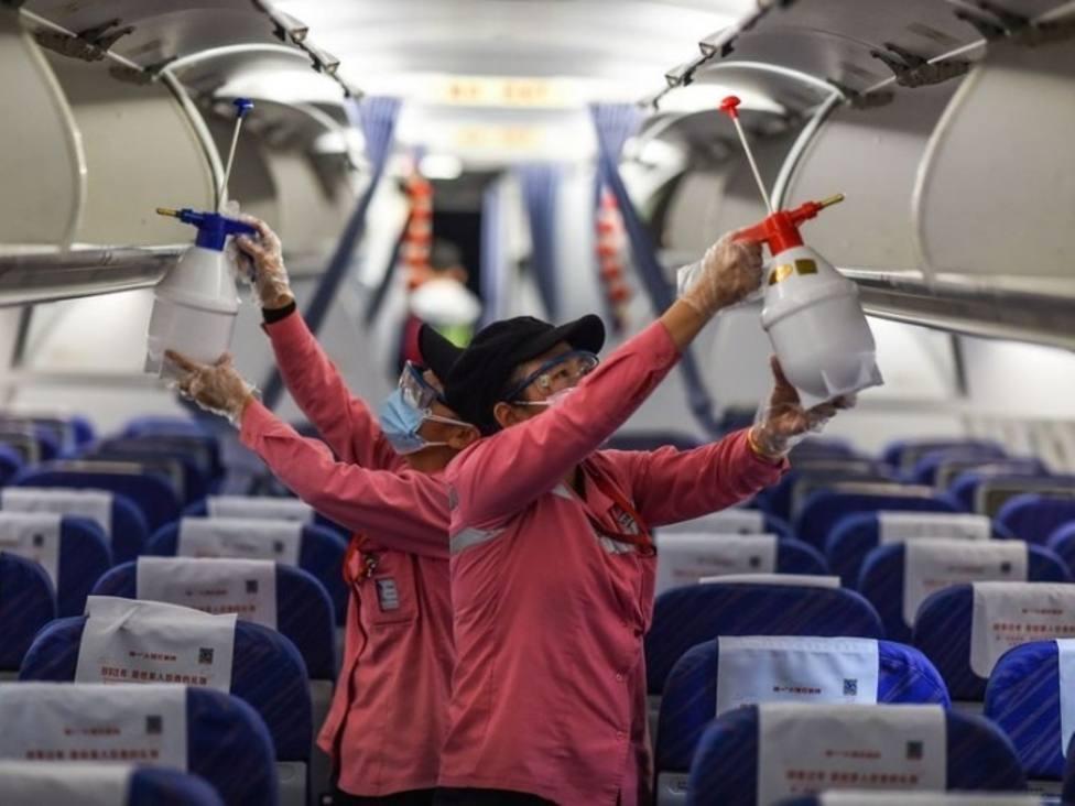 China pide a los países que levanten las restricciones de viajar al país por el coronavirus