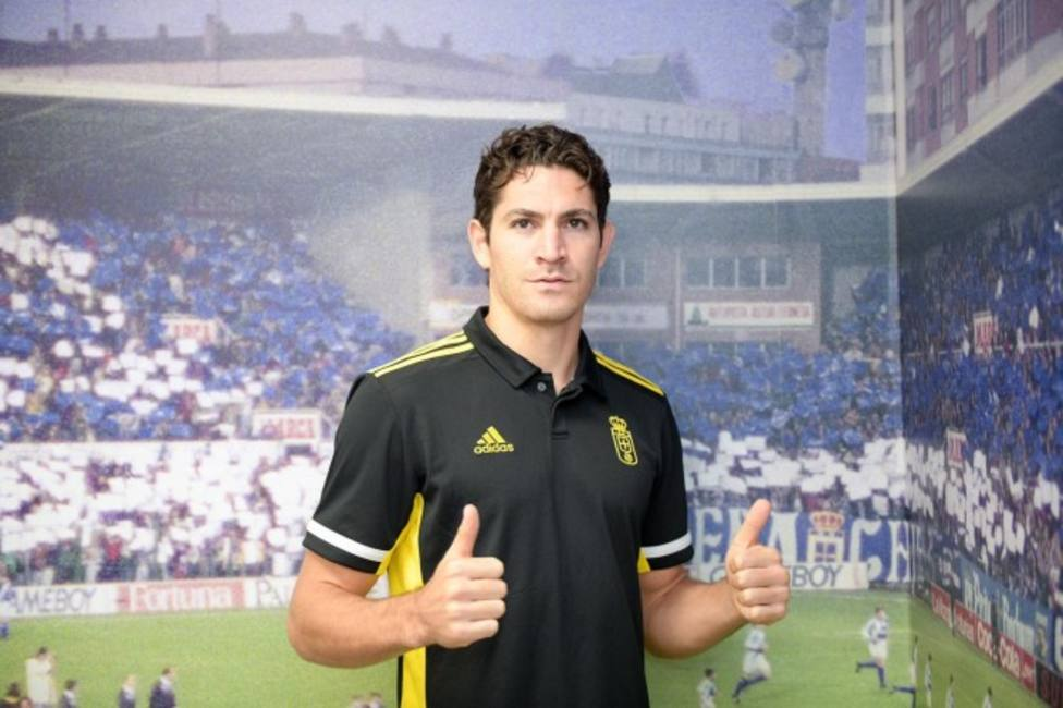 Blanco Leschuk ya es nuevo jugador del Oviedo