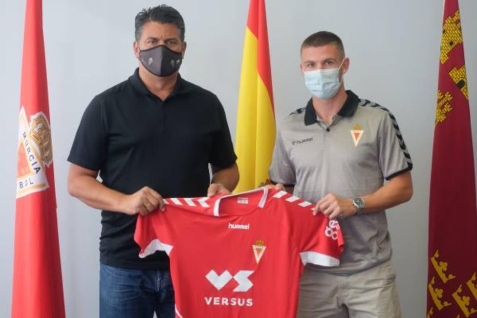 El extremo asturiano Dani Sandoval refuerza al Real Murcia