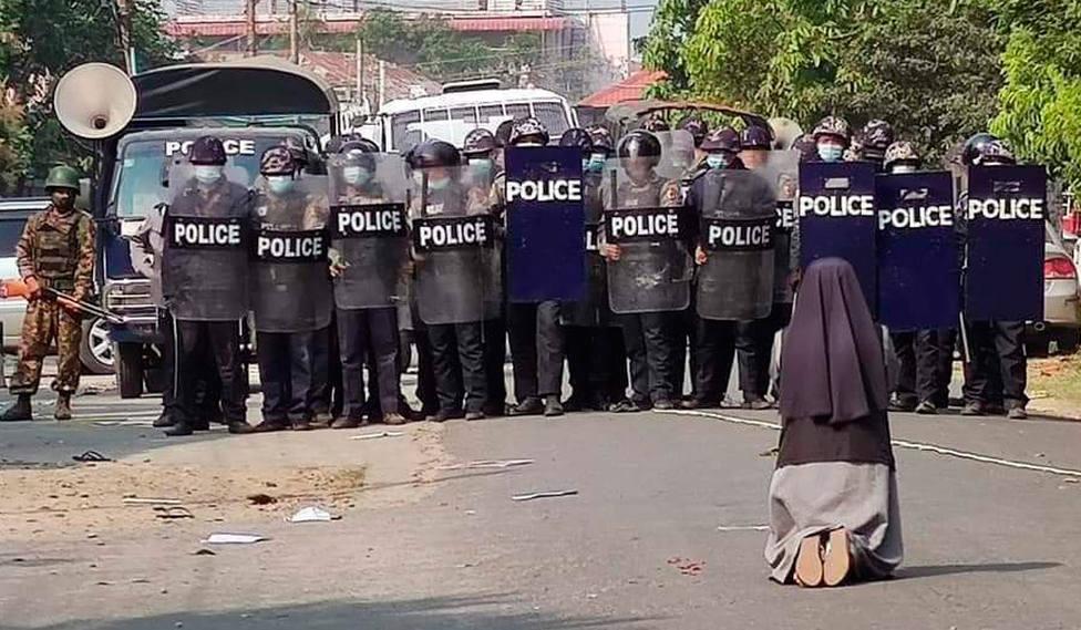 La actitud de los católicos de Myanmar frente a la violencia desatada por el golpe