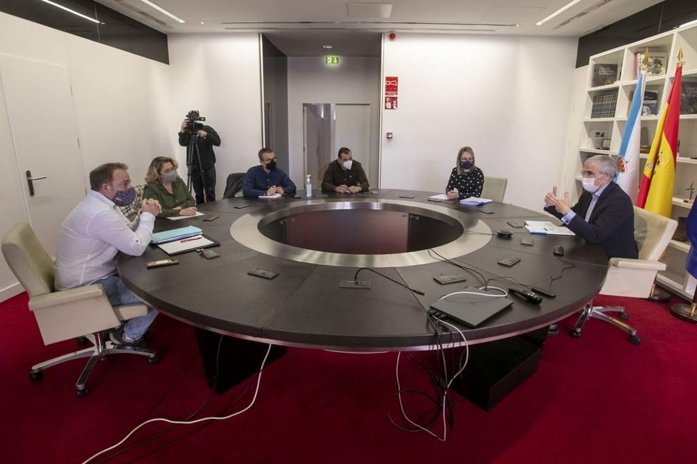 Representantes del comité se reunían esta mañana con el vicepresidente económico de la Xunta