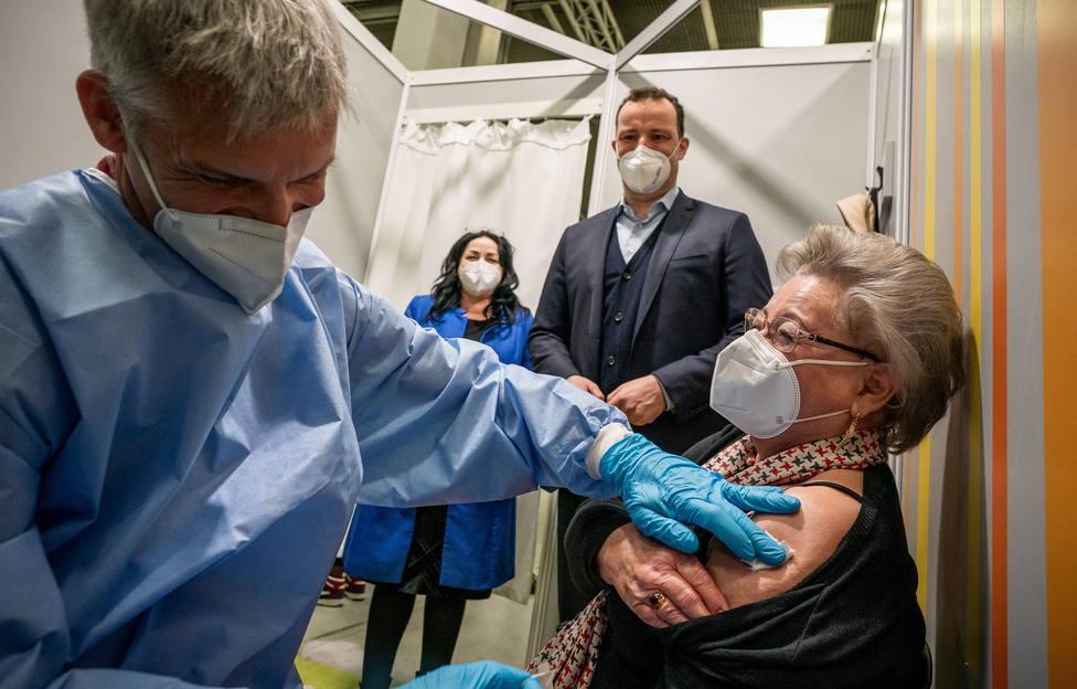 Alemania registra 18.733 contagios de covid-19, 400 menos que hace una semana