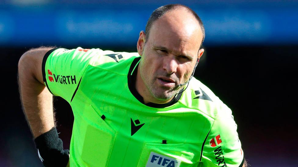 Imagen del árbitro internacional Antonio Mateu Lahoz. CORDONPRESS