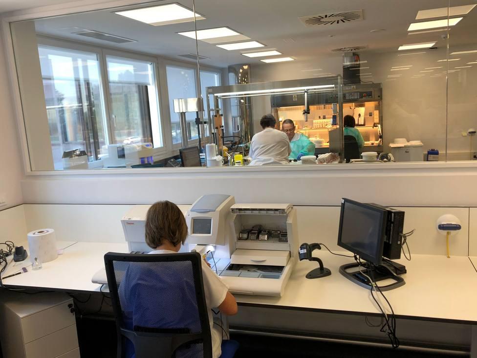 El servicio de anatomía patológica está ubicado en el Hospital Naval. FOTO: Sergas