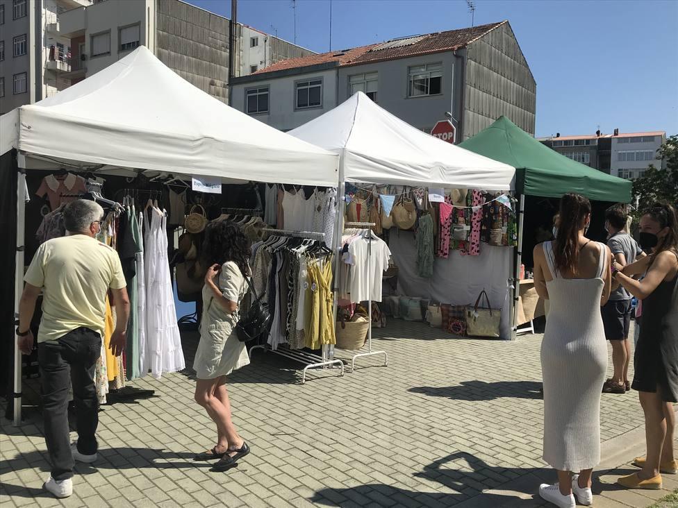 El mercado Espacio Verde se celebra en el parque del Río Freixeiro. FOTO: Concello de Narón