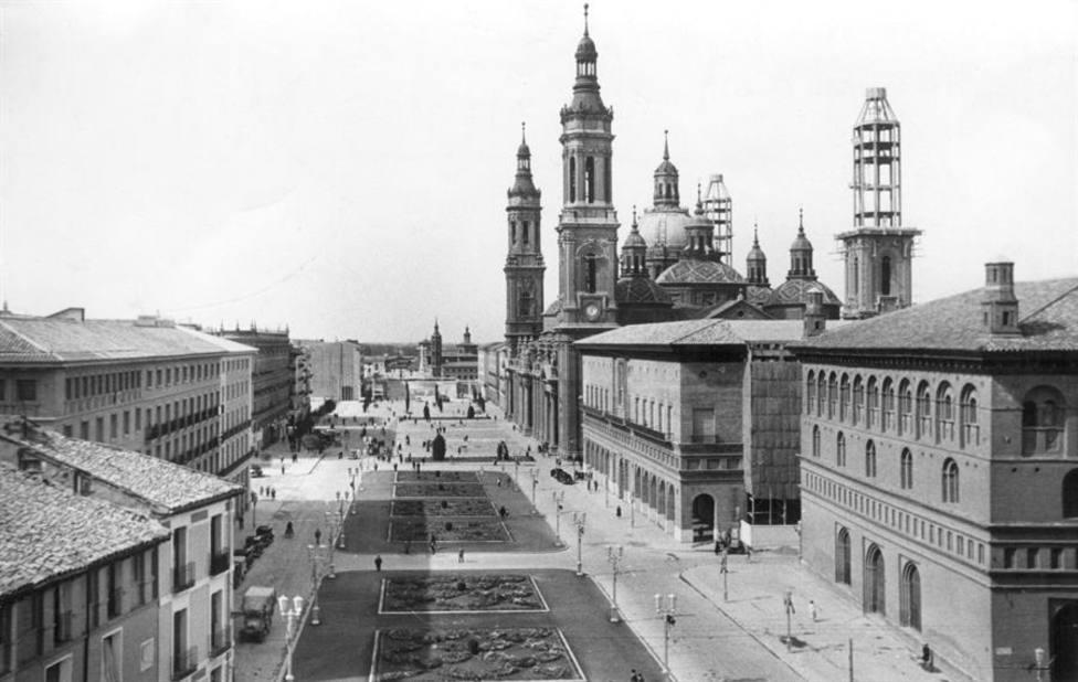 ctv-f9l-plaza-del-pilar-en-1954-efe