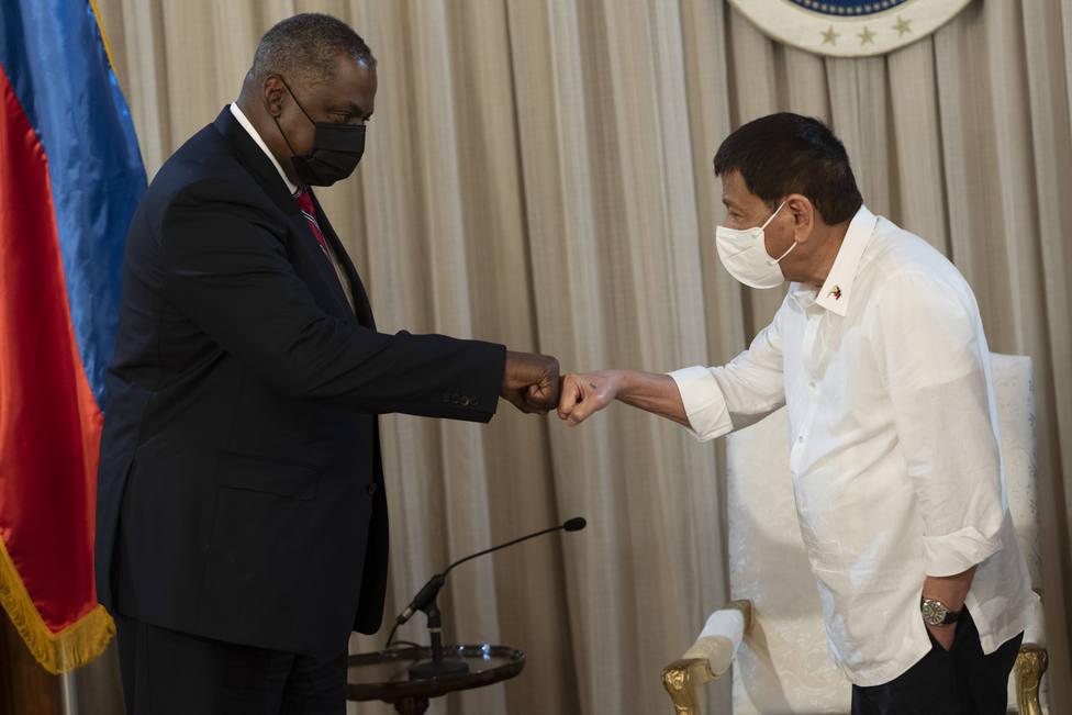 Duterte deroga la anulación de su pacto defensivo con EEUU