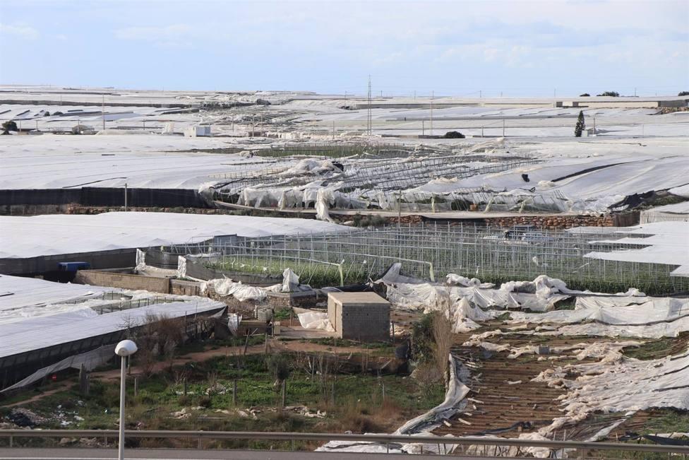 Los agricultores de El Ejido afectados por el tornado de 2018 tendrán ayuda de la Junta