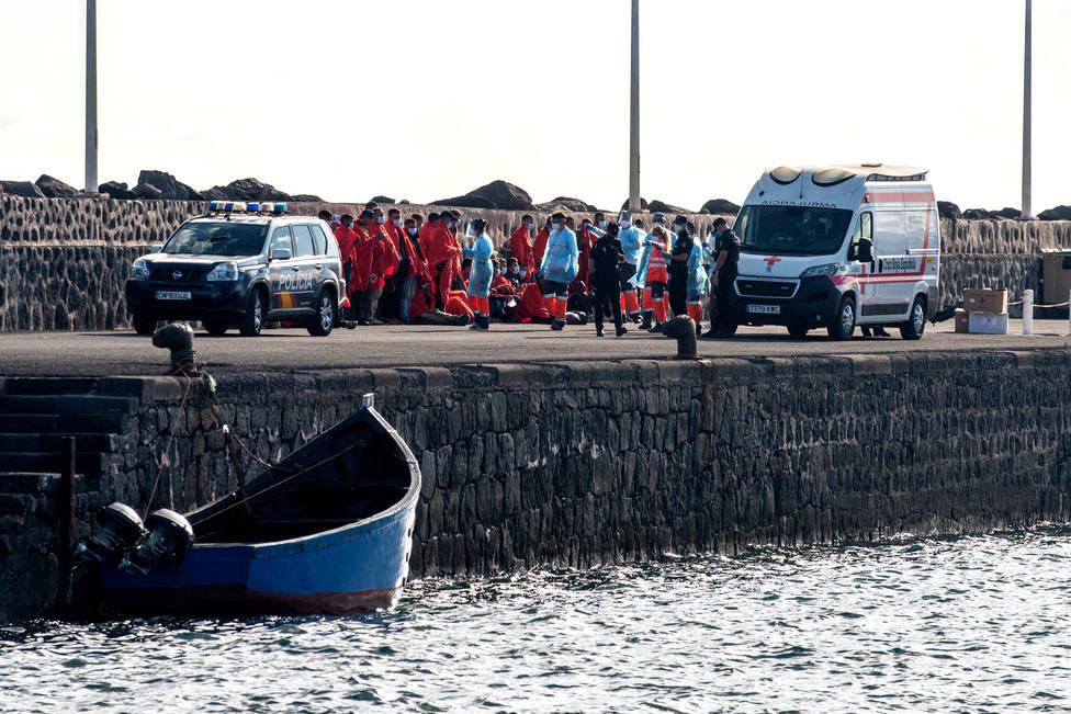 Llegan a Canarias cerca de 400 inmigrantes en las últimas 24 horas, uno de ellos muerto