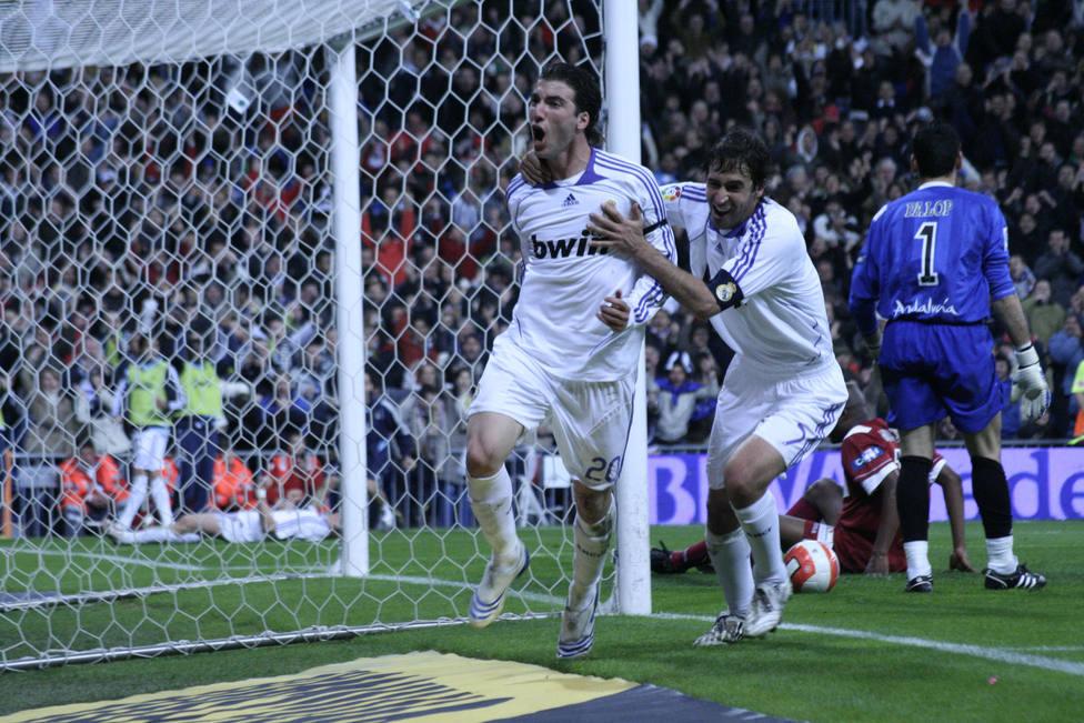 Higuaín sobre su etapa en el Real Madrid: Metí 27 goles y ficharon a Kaká y Benzema... ¡No puede ser!