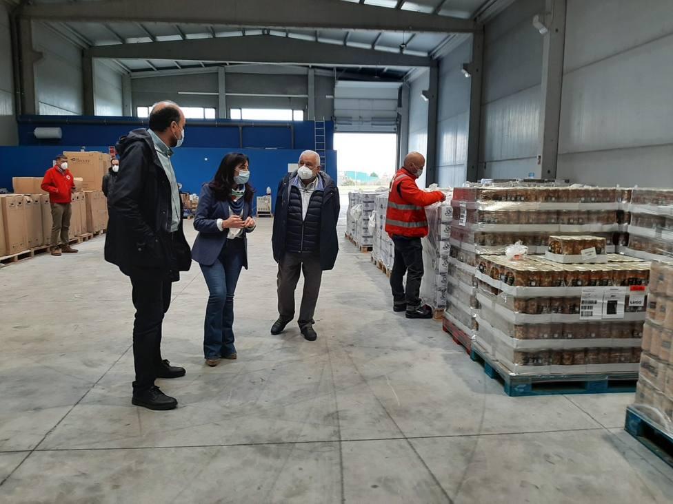 Reparto de alimentos en Lugo