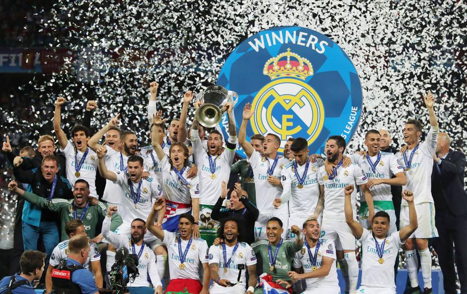 Sergio Ramos levanta al 13ª Copa de Europa del Real Madrid (EFE)