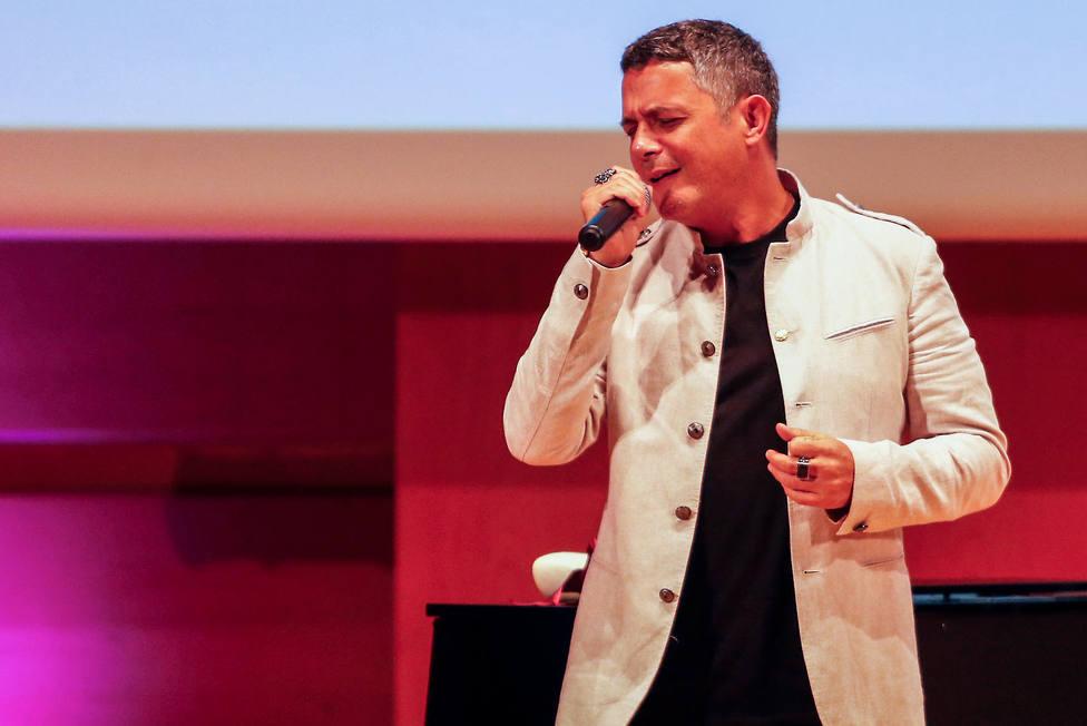 Alejandro Sanz: La música es para darnos un abrazo frente a tantos problemas políticos