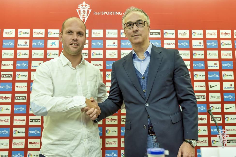 José Alberto López y Miguel Torrecilla, en la presentación del entrenador.