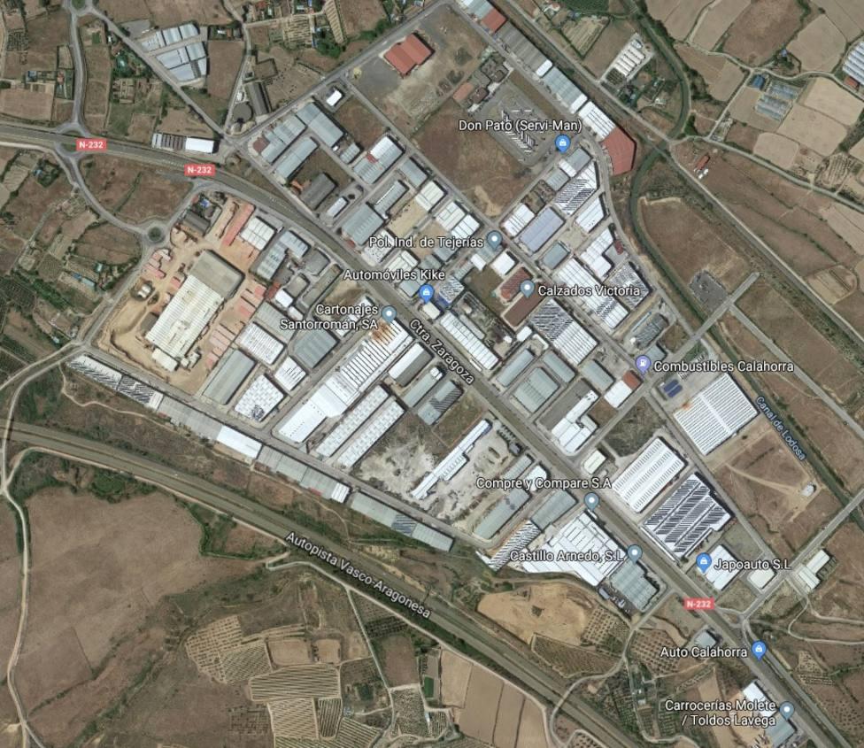 Extinguido el fuego que ha calcinado parte de una empresa de inoxidables en Calahorra