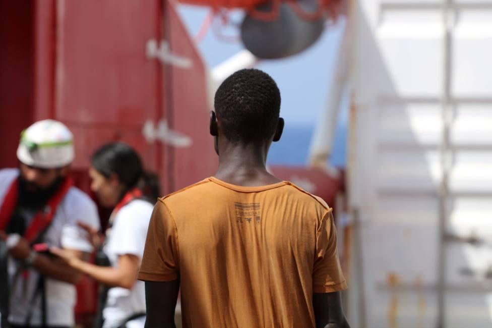 MSF pide un puerto seguro para no prolongar el trauma de los rescatados por el Ocean Viking
