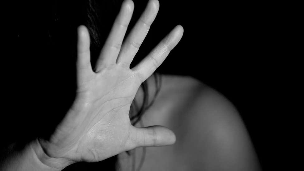 Así acompaña la Iglesia a las mujeres que sufren la violencia de género