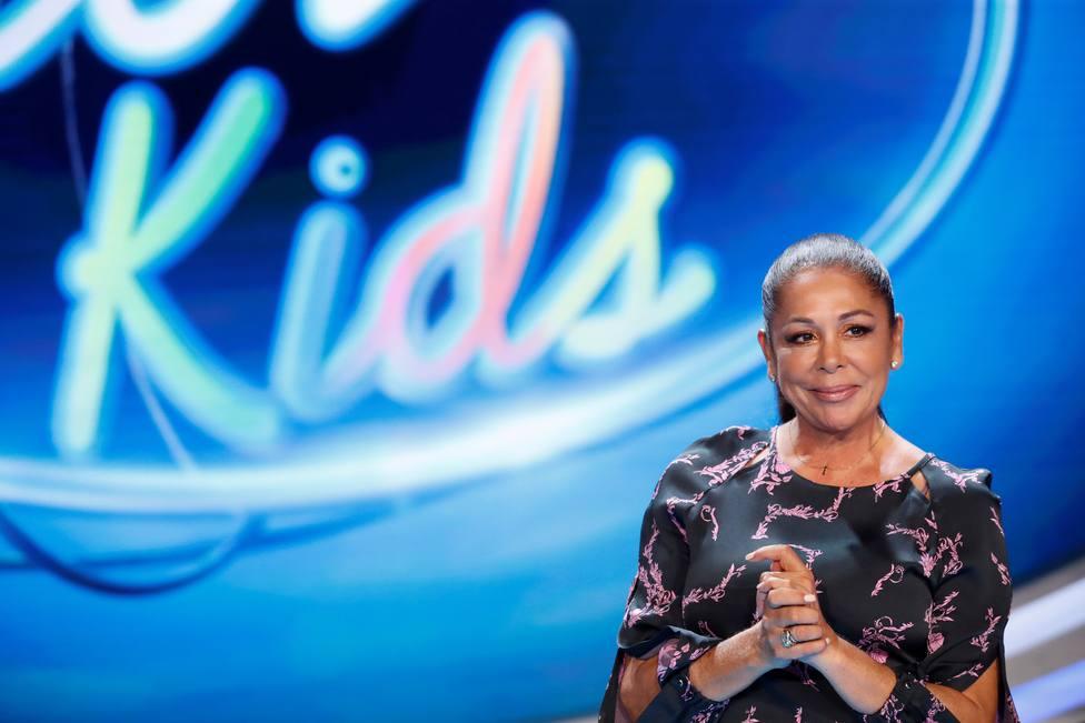 Presentación del concurso de talentos Idol Kids