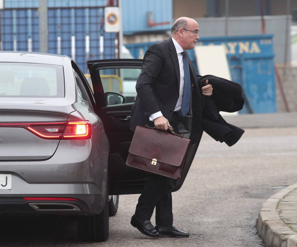 El juez que no investigó a Simón decidirá si abre causa al segundo de Interior y la directora de la Benemérita