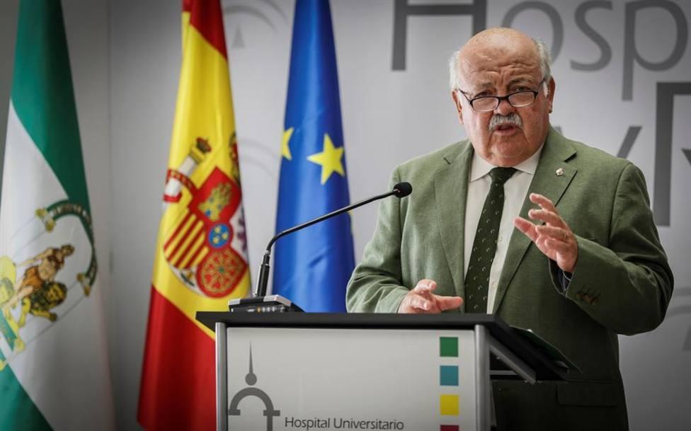 Andalucía alcanza los 371 hospitalizados, 30 más en un día y 44 en UCI, cinco más que el miércoles