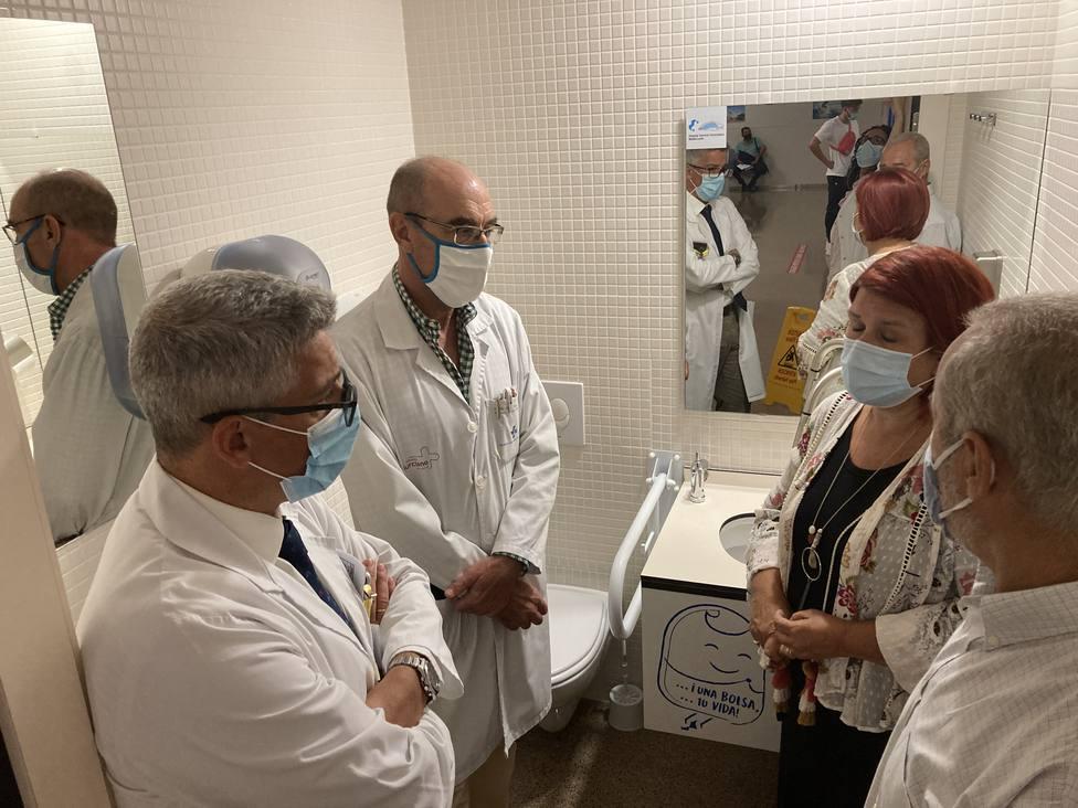 El Hospital Santa Lucía instala baños adaptado para pacientes ostomizados