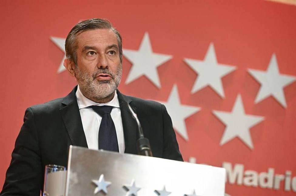 El consejero madrileño de Justicia, Enrique López, durante una rueda de prensa