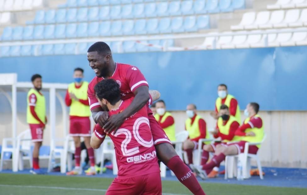 El Lorca FC mejora pero no le da para sumar (0-3)