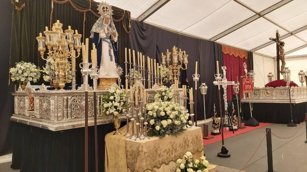 Altares situados en la plaza de Amboage - FOTO: Junta General de Cofradías