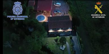 Esta vivienda en San Julián, en Narón, fue una de las registradas - FOTO: Policía Nacional-Guardia Civil