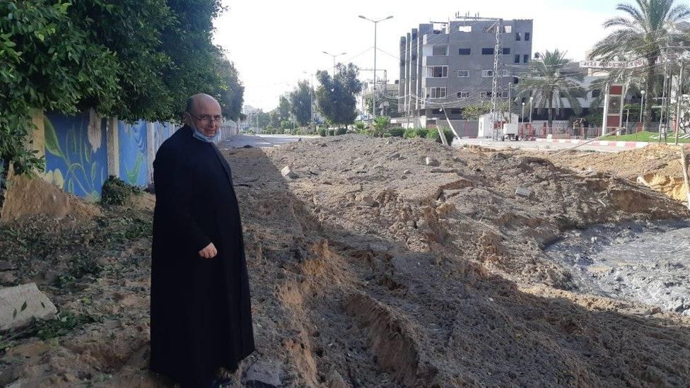 Así es vivir entre bombas y misiles: el duro testimonio del párroco de Gaza