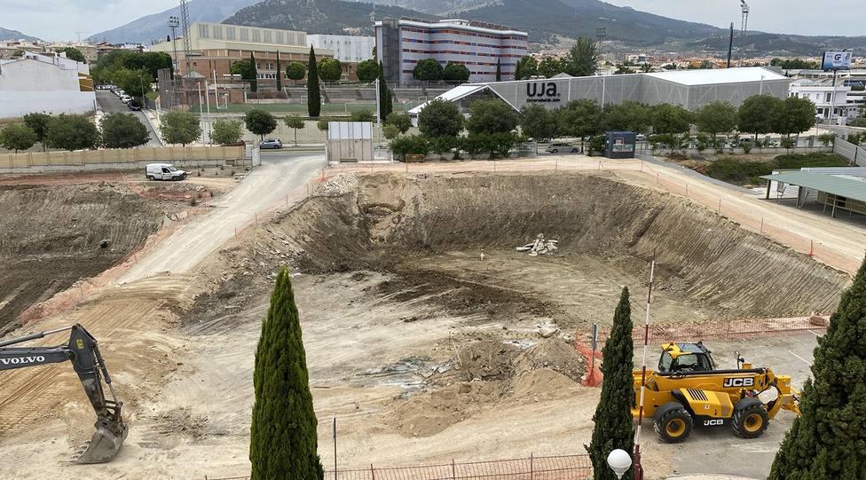 Obras de construcción del Edificio I+D+i y TIC en el Campus Las Lagunillas