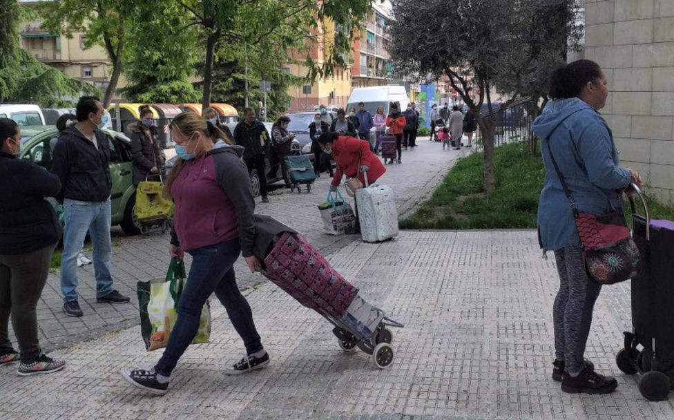 """Cáritas denuncia los efectos devastadores de la pandemia: """"La mitad de la población vulnerable está deprimida"""""""