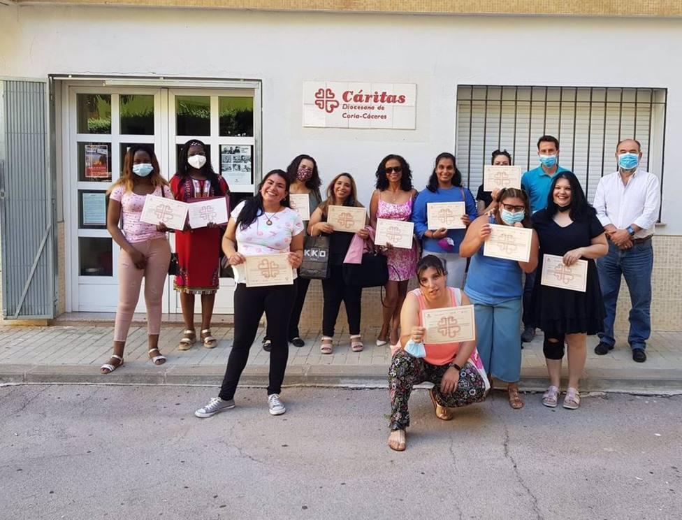 Cáritas clausura en Cáceres el curso de atención sociosanitaria a personas en instituciones sociales