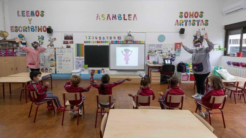 PP, Cs y Vox descalifican la propuesta de meter el género en matemáticas: bobada y chusma