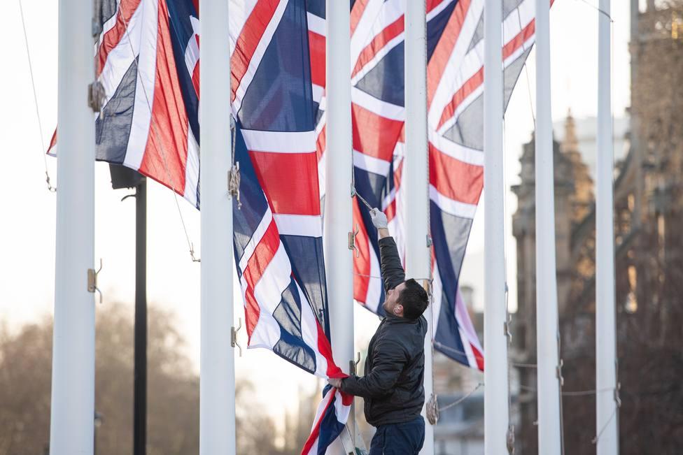 Más de 350.000 españoles se registran como residentes en Reino Unido tras el Brexit