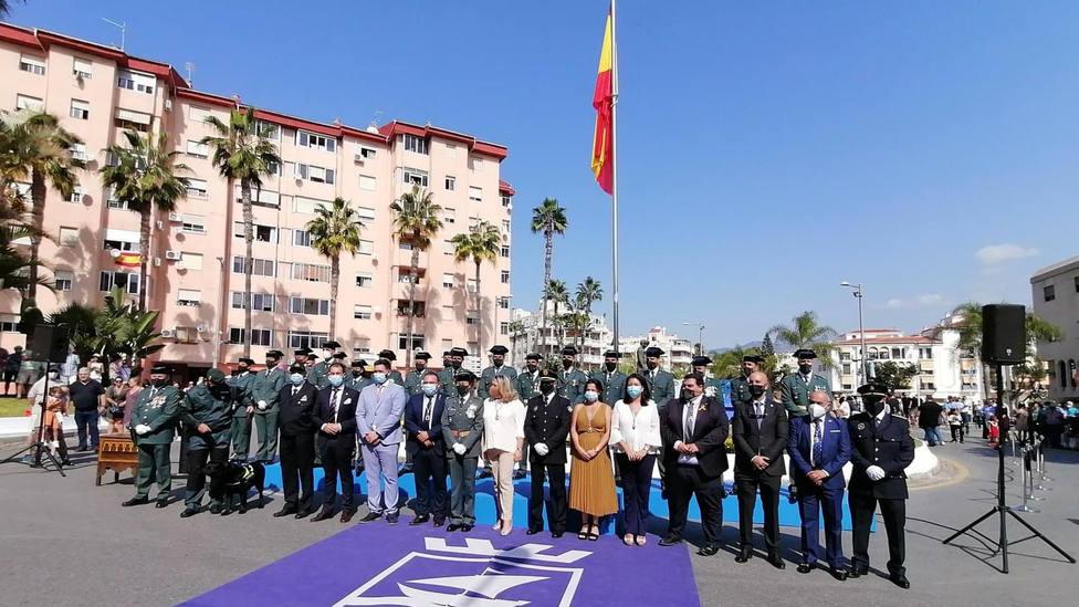 El Ayuntamiento de Almuñécar realiza su tradicional acto de homenaje en el Día de la fiesta nacional