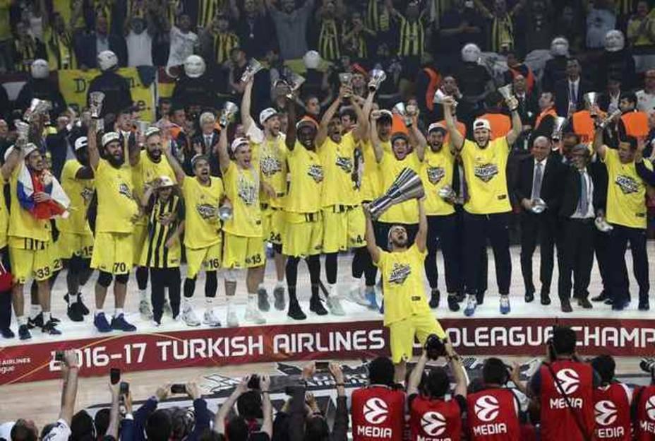 Basketball - Euroleague Final Four Victory Ceremony - Fenerbahce v Olympiacos
