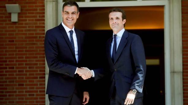 Sánchez y Casado reanudan sus funciones después del verano