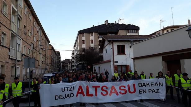 Una manifestación rechaza en Alsasua (Navarra) el acto de España Ciudadana que quiere sacar réditos electorales