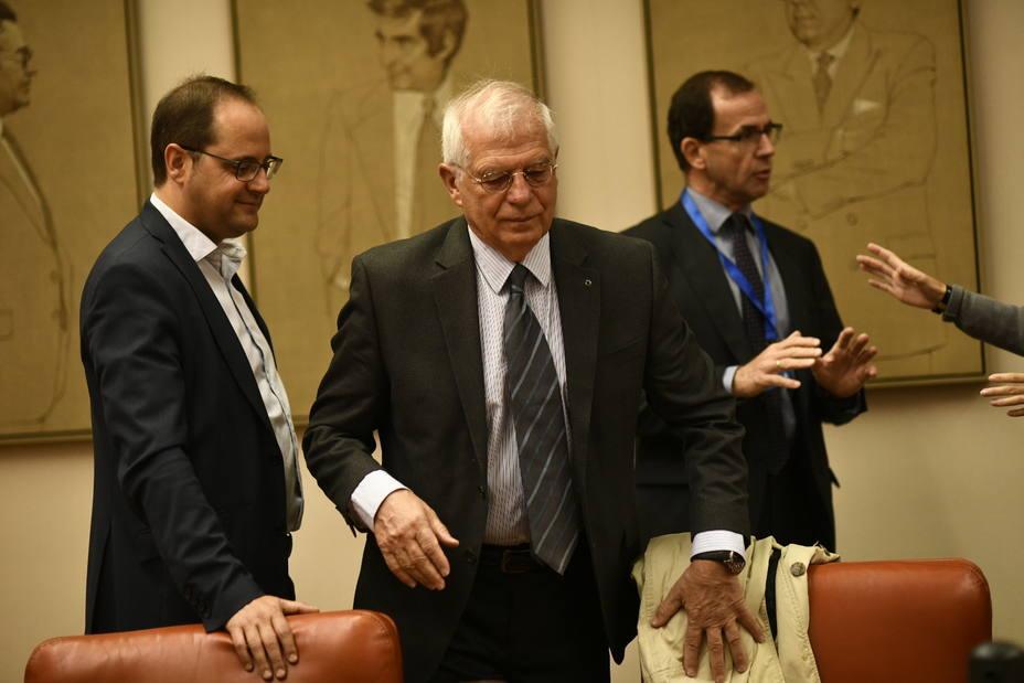 Borrell ofrece a todos los grupos trabajar juntos en un plan para el Campo de Gibraltar